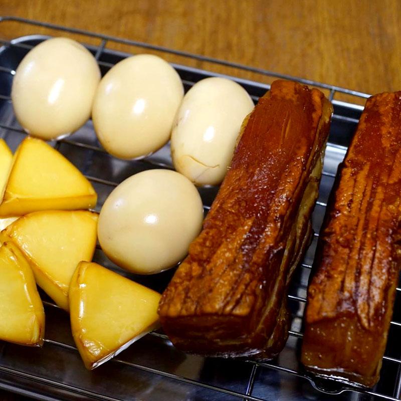 【ADIOまかない】自家製燻製ベーコン、たまご、チーズ