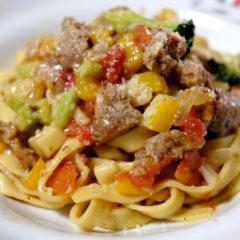 【ADIOまかない】自家製サルシッチャと夏野菜の生フィットチーネ